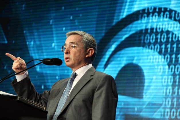 Alvaro Uribe (FRANCISCO GUASCO/CUARTOSCURO.COM)